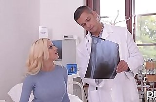 Dirty talkin Blonde Sienna Day gives the Footjob of the Century!