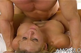 Older pussy needs sexy banging