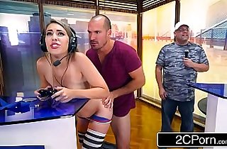 Video Gamer Chick Kimber Lee Distracted in a Very Special Way During Competition