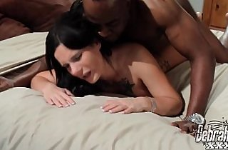Whore Gets Creampie in Her Snatch