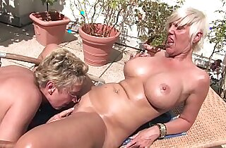 Free Version This granny licks pussy to the housekeeper on the balcony