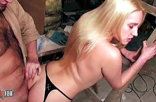 Fucking a beautifull blonde babe with tight pussy fucking her in the ass